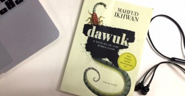 Review Buku: Dawuk kisah kelabu dari Rumbuk Randu